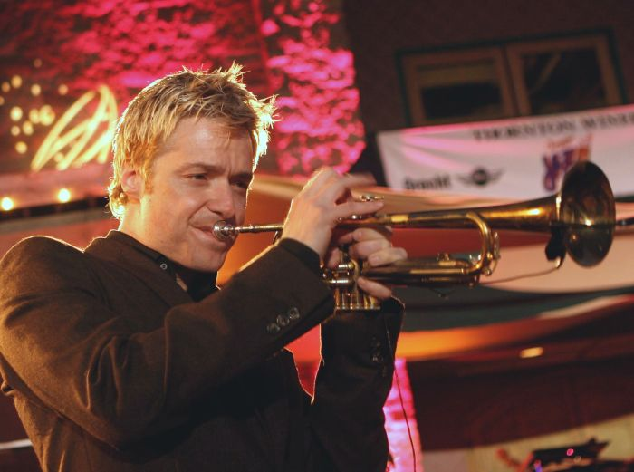 chris_botti_at_thorton_winery_2006_retouched